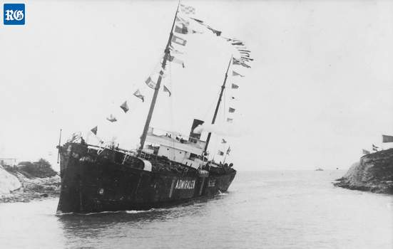 1917 first ship through Town Cut