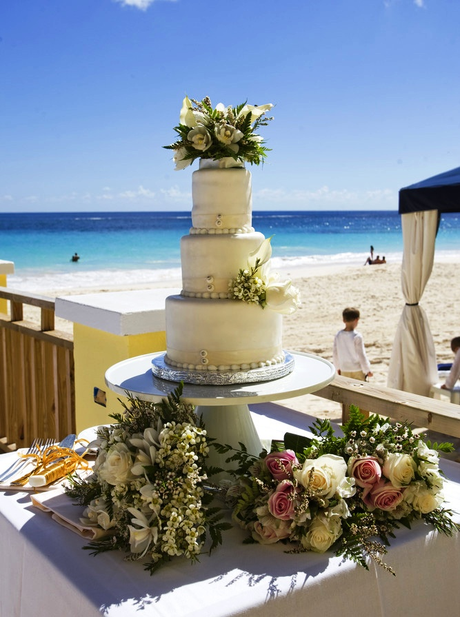 Bermuda wedding cake on a beach