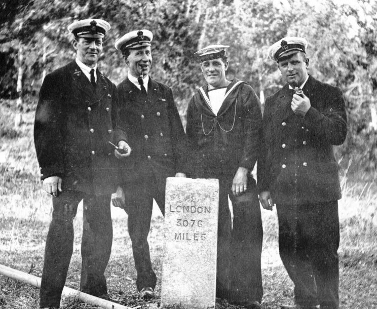 RN personnel Admiralty House Bermuda 1917