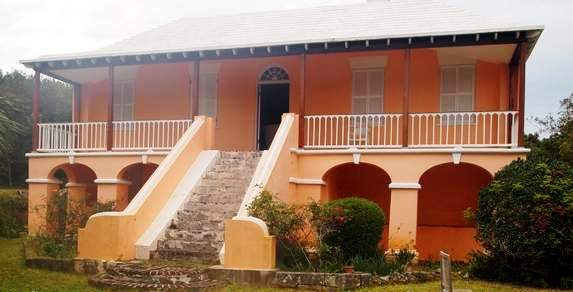 Bermuda botanical gardens camden house bermuda garden ftempo for Devonshire home design garden city ny