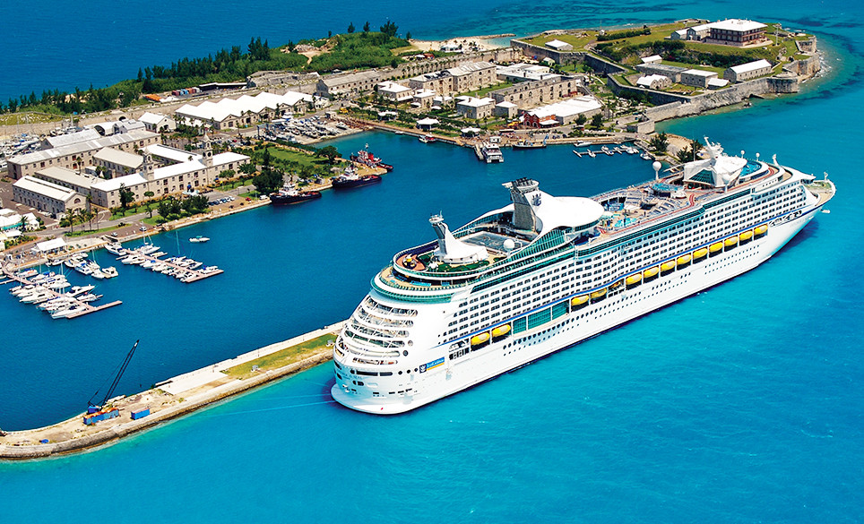 Cruise Ship At Bermuda S Main Port King Wharf Dockyard Tourism Authority Photo There Are Two Other Ports For Smaller